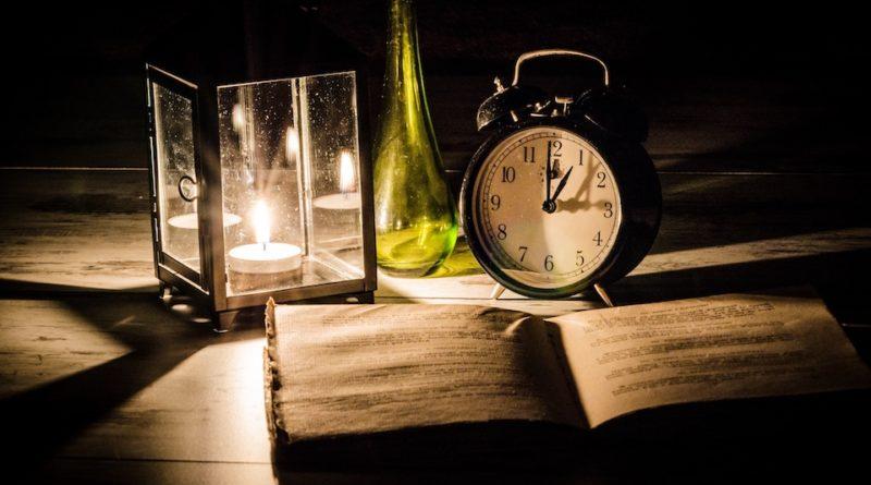come rimanere svegli per studiare
